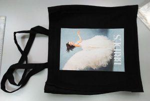 Crna torba za uzorke iz UK kupca je štampana od strane dtg tekstilnog štampača